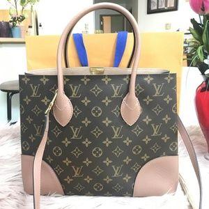 0d6d7f72a2bc8 Women s Designer Handbags